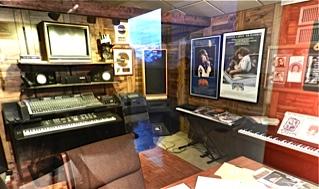 25 studio
