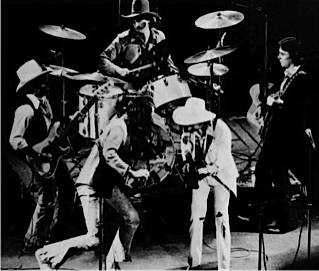 705px dirt band 1976