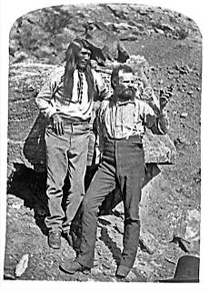 Photo 10 powell a droite avec tau gu un indien paiute en 1871 1872