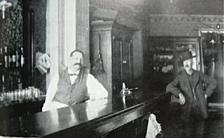 Photo 36 oriental saloon